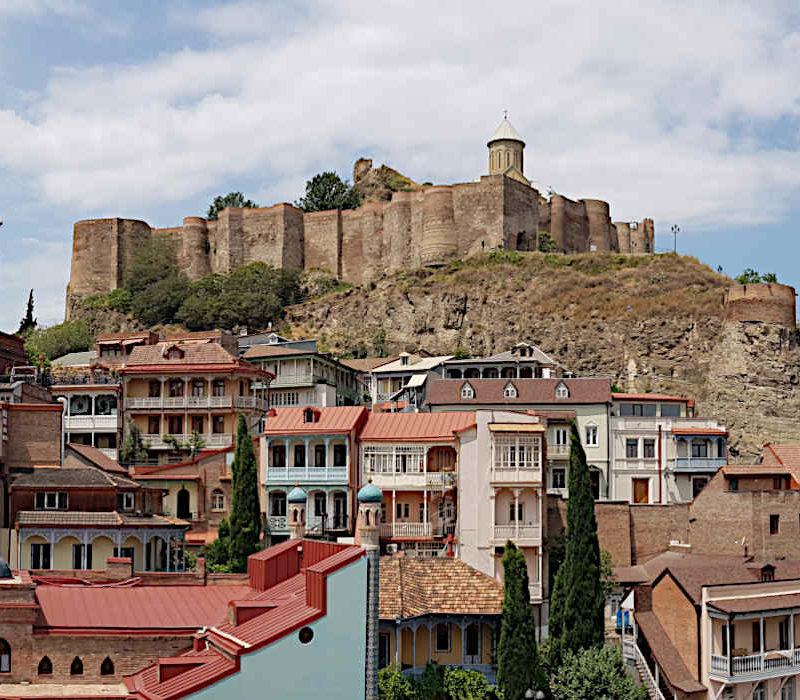 Forteresse de Narikhala qui domine le quartier historique de Tbilissi