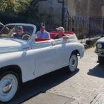 Vieille voiture soviétique décapotable
